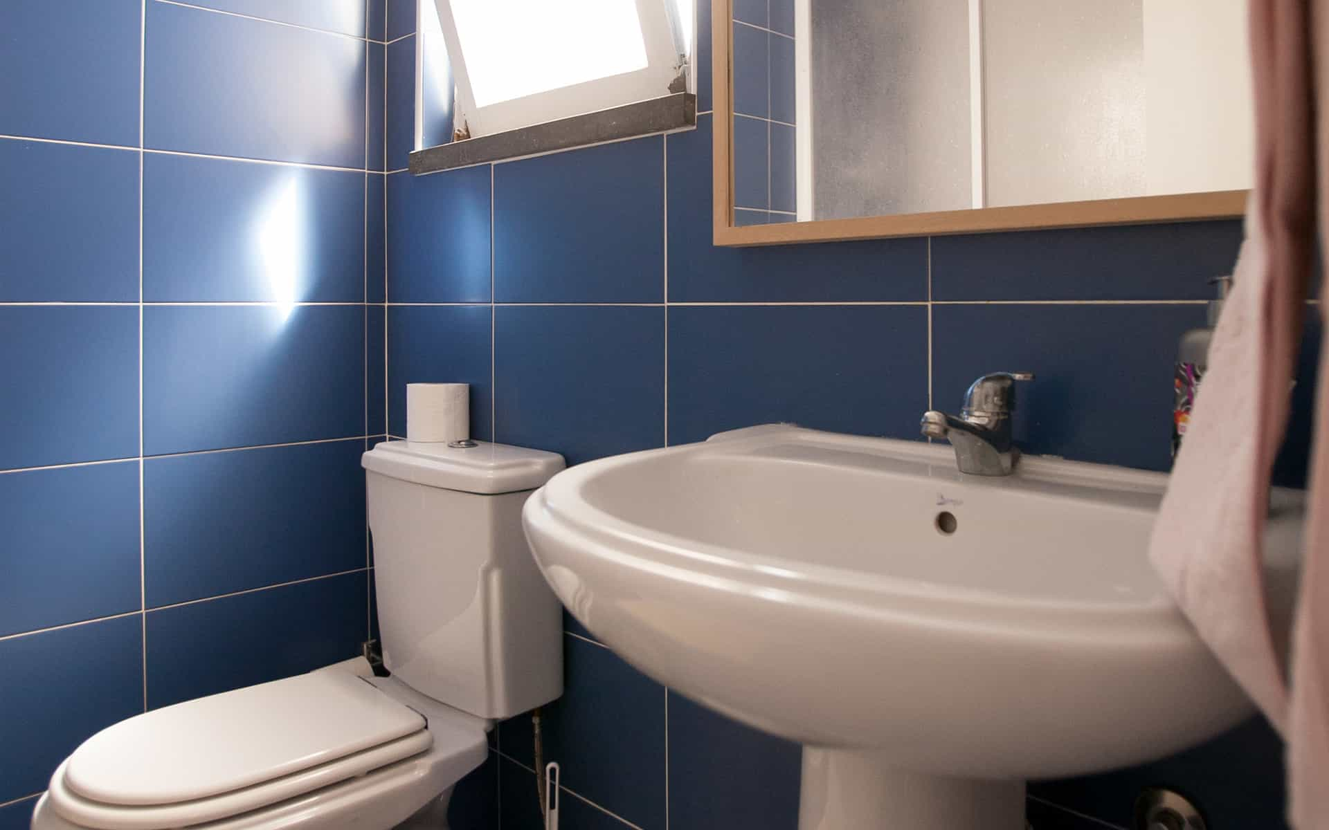 surf camp ericeira - Booking Rooms - Shared Bathroom
