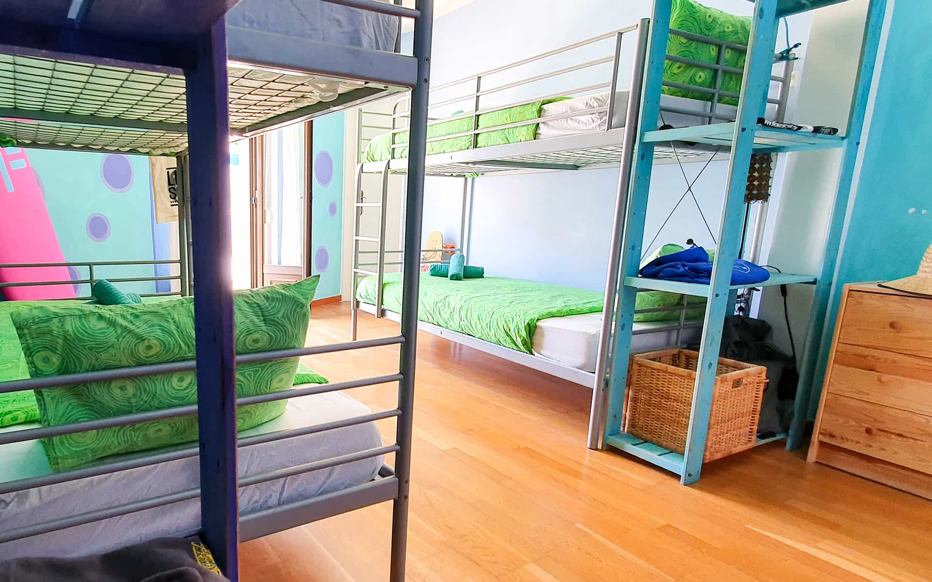 surf camp ericeira - Booking Rooms - Grapes Room