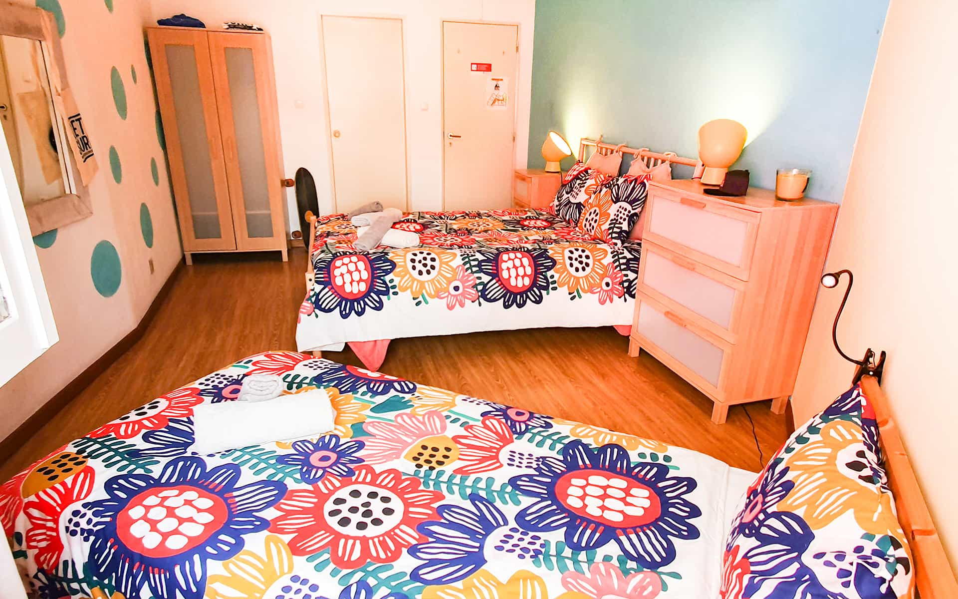 surf camp ericeira - Booking Rooms - Pineapple Room