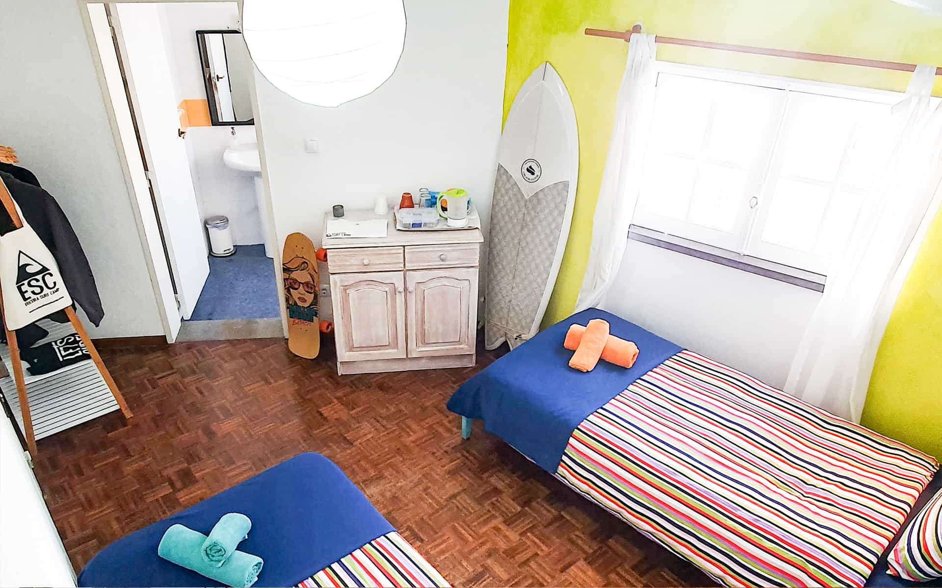 surf camp ericeira - Booking Rooms - Apple Room